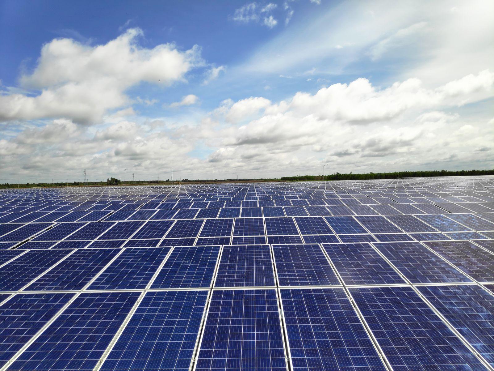 Hình công trình lắp đặt điện năng lượng mặt trời